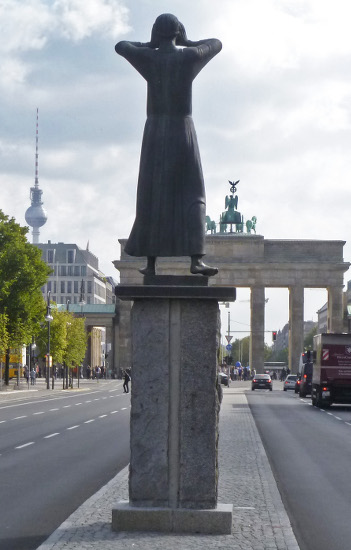 "Foto der Statue ""Der Rufer"" in Berlin"