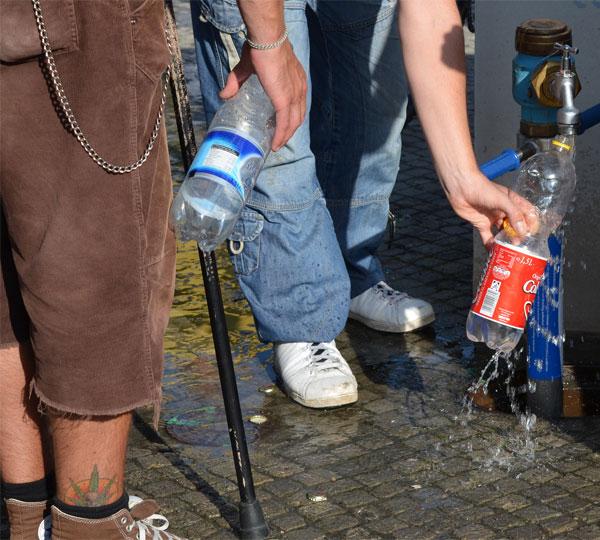 Wasserhahn auf der Hanfparade 2011