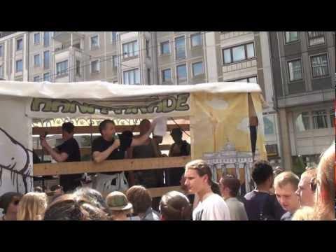 Tibor Harrach / LAG Drogenpolitik bei B90/Die Grünen - Zwischenkundgebung Hanfparade 2011