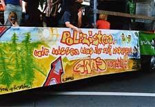 Hanfparade 2001 – Transparent an einem Paradewagen