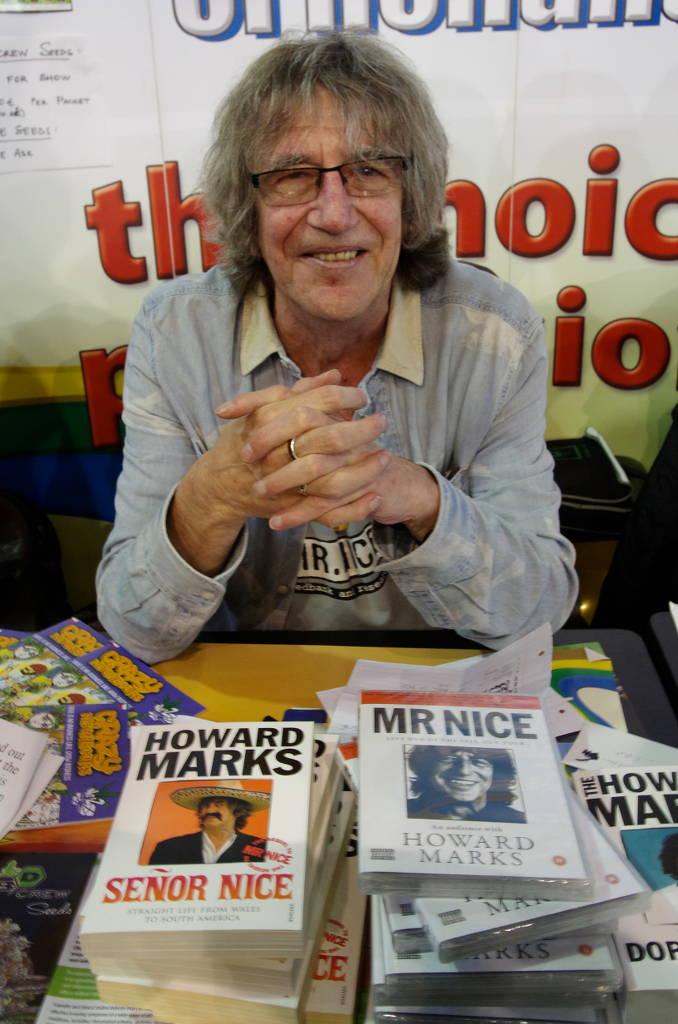 Foto von Mr. Nice an seinem Signierstand auf dem Cannafest 2013