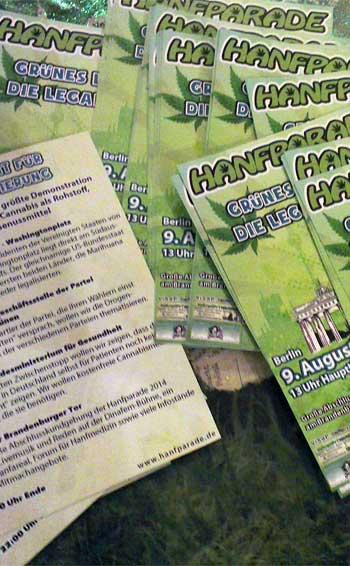 Die ersten Flyer für die Hanfparade 2014