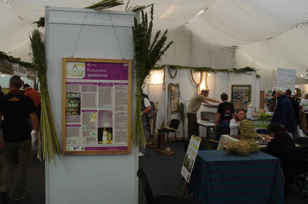 Foto vom Ausstellungs- und Workshopbereich auf dem Cannafest 2013