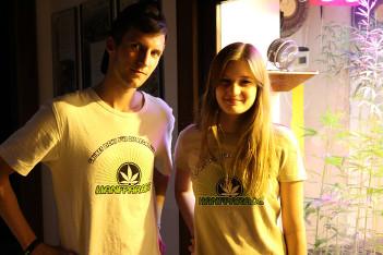 Foto mit Hanfparade 2014 Helfer-T-Shirts