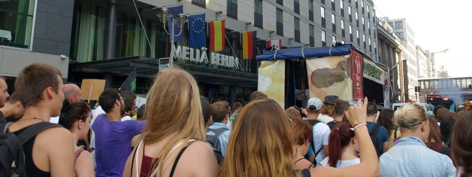 Foto vom Umzug bei der Hanfparade 2014