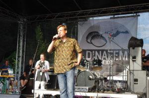 Foto von Rolf Ebbinghaus bei einer Rede auf der Hauptbühne der Hanfparade 2014