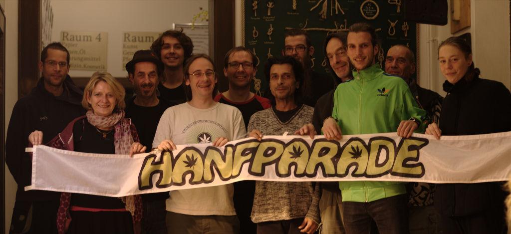 Gruppenfoto des Teams der Hanfparade in 2017