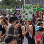 Auf der Auftaktkundgebund der HP 2016 wurde auch für Cannabis als Medizin protestiert